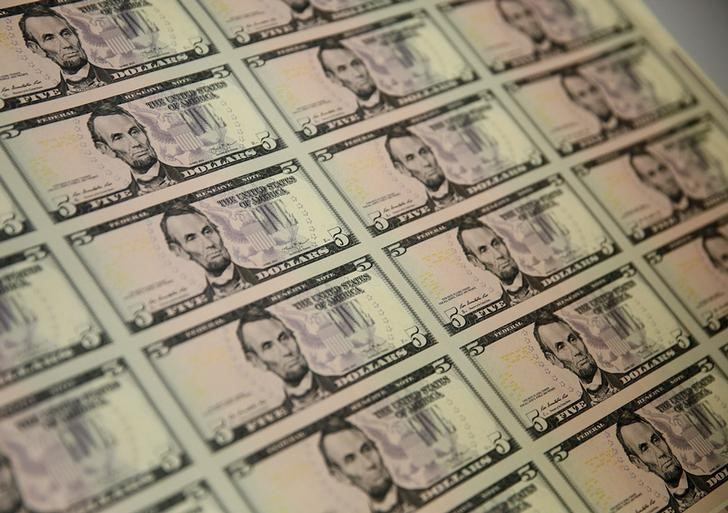 Dollar Steadies After Payrolls