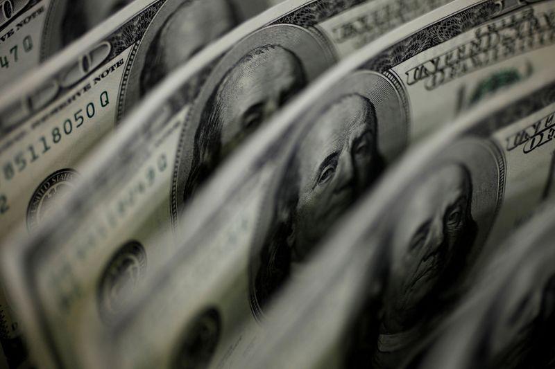Dollar enjoys improving outlook