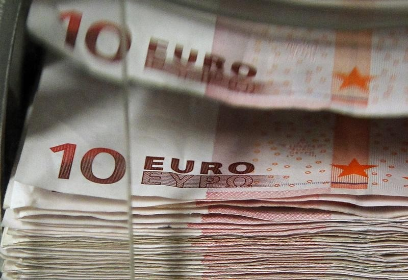Euro Set to End Year Higher