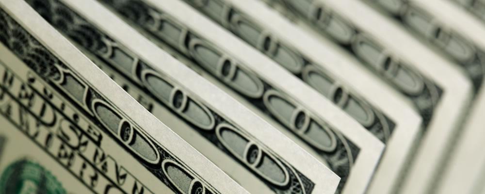 Euro US Dollar Exchange Rate Weakens