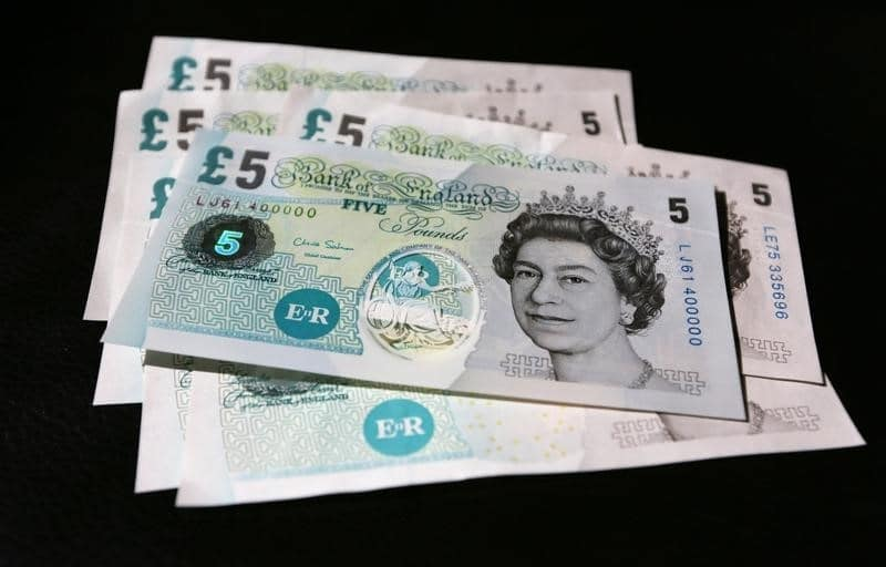 Pound Under Pressure U.K. Services Worst Month