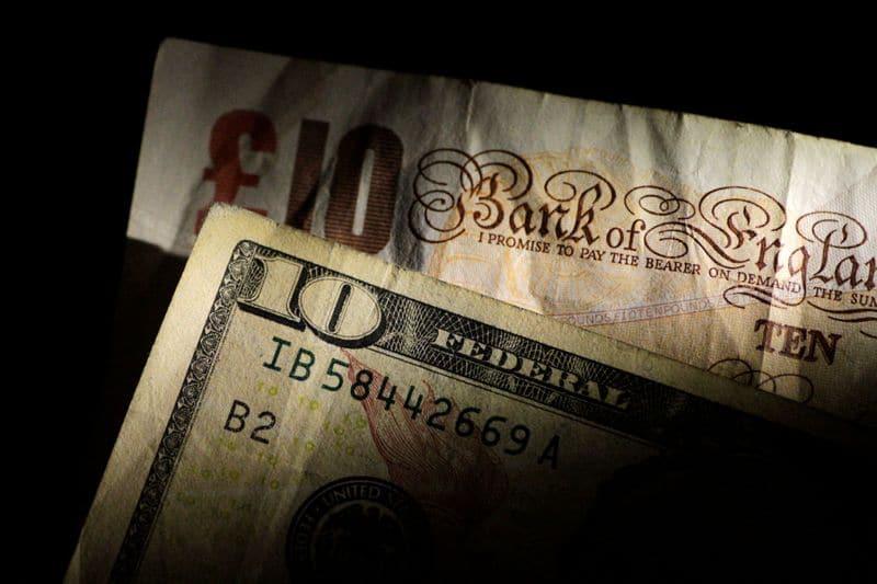 Pound drops as Brexit impasse