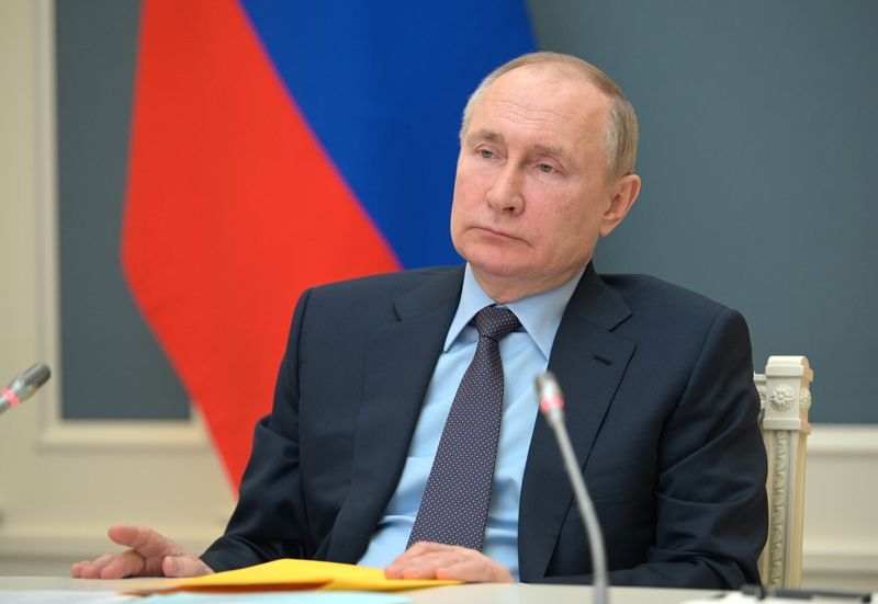 Putin to decide on counter sanctions